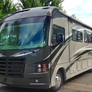 motorcoach-st-louis-production-commercial-photography-300×300